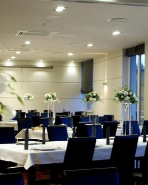 Hotel Moran w Powidzu  - białe eustomy