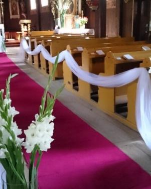 Kościół św. Marcina w Pawłowie - gladiole