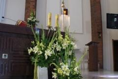 Kościół bł. Jolenty w Gnieźnie - jasne kwiaty