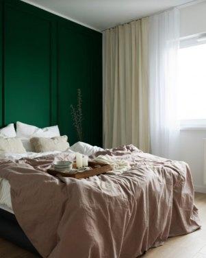a-sowinska-butelkowa-zielen-w-sypialni
