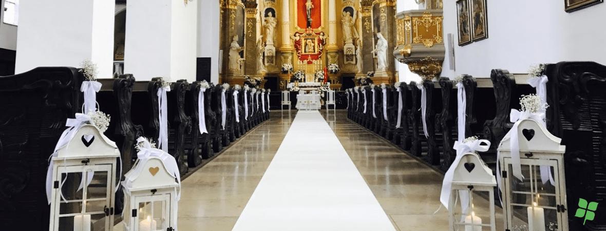 Wystrój kościołów na uroczystości komunijne