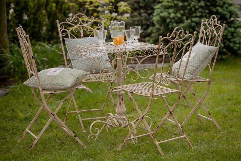 meble ogrodowe w stylu prowansalskim